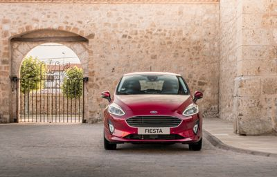 FORD **FIESTA COOL& CONNECT HYBRID**