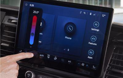 Le Ford Transit renforce son leadership technologique avec de toutes nouvelles fonctions connectées, SYNC 4 et de nombreuses aides à la conduite de série
