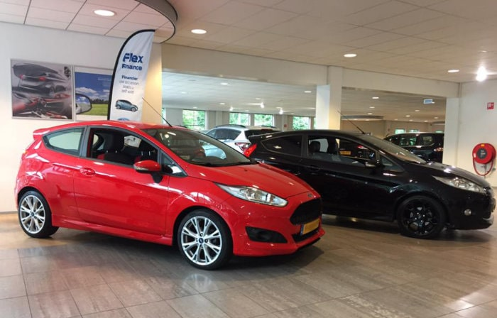 showroom Ford Poll