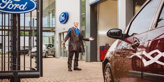 ford auto kopen met accessoires en/of onderhoud laten doen